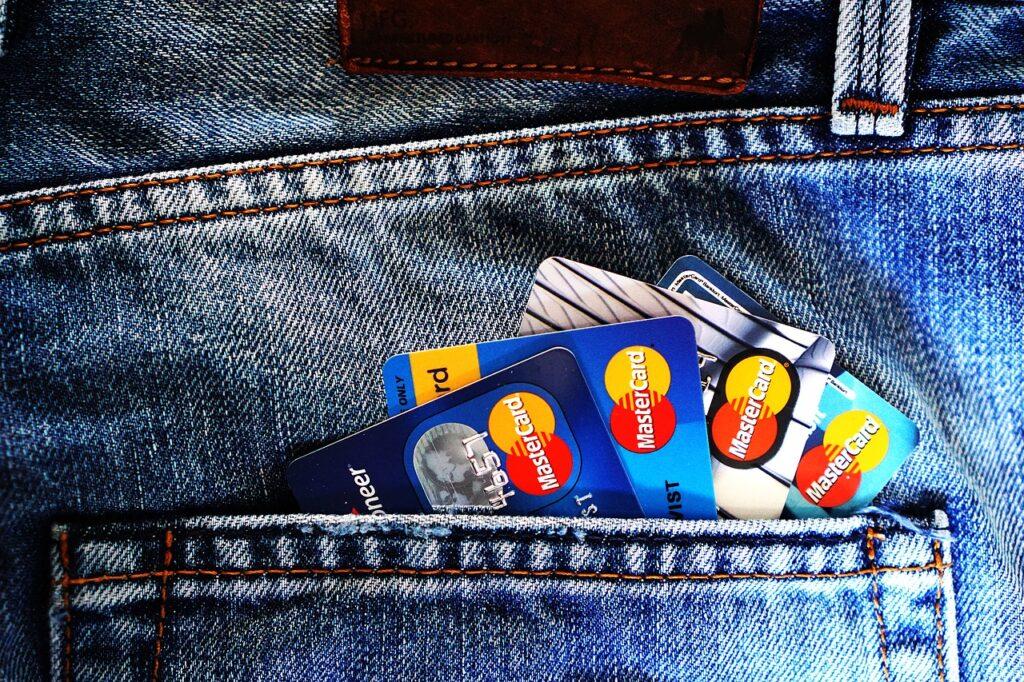 Giacenza media postale per reddito di cittadinanza. Come fare a calcolarla (Foto di TheDigitalWay per Shutterstock)