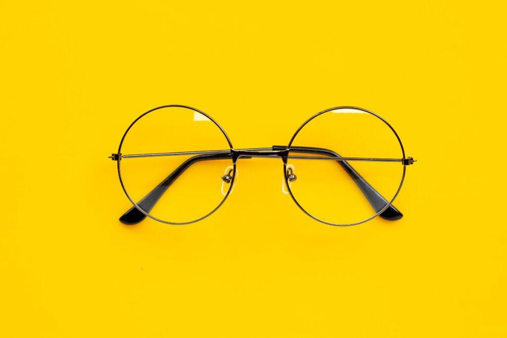 Bonus occhiali da vista e lenti a contatto (Foto di Bowonpat Sakaew per Shutterstock)