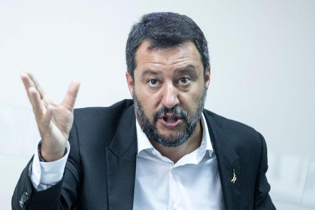 Reddito di emergenza: proroga tolta da Salvini? (Foto di Alessia Pierdomenico per Shutterstock)
