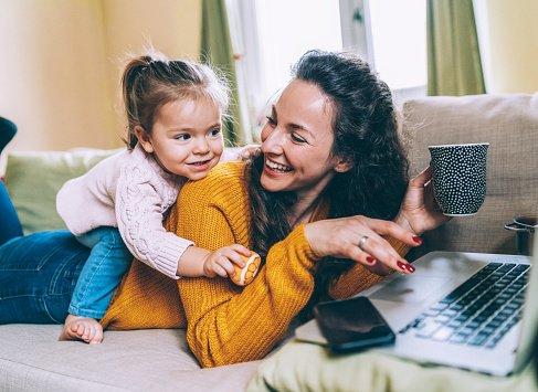 Bonus mamma domani 2021: info e come richiederlo
