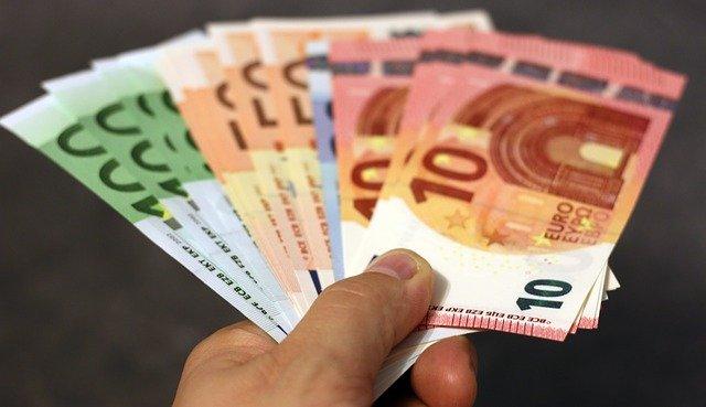 Pagamento in contanti: tutti i limiti in Italia.