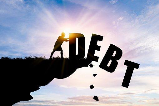 Troppi debiti: come fare?